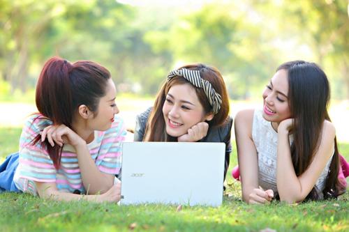ban-laptop-cu-danh-cho-sinh-vien
